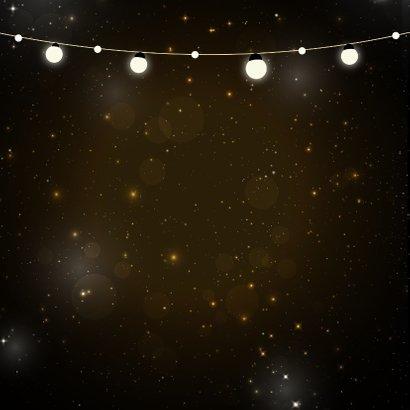 Kerstkaart met gouden letters lampjes en hip gewei 2
