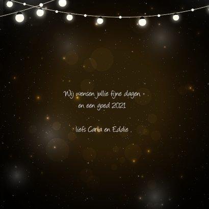 Kerstkaart met gouden letters lampjes en hip gewei 3