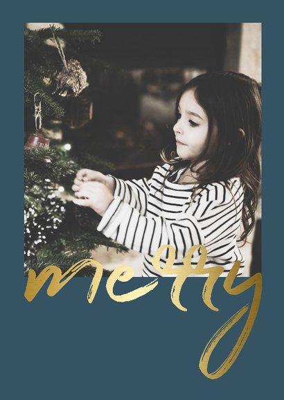 Kerstkaart met gouden 'merry' en een foto 2