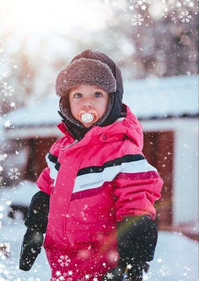 Kerstkaart met grote foto en sneeuwkader 2