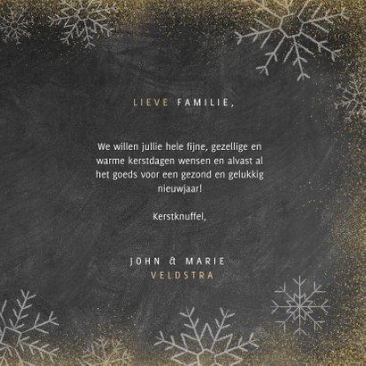 Kerstkaart met houten ster, Merry Christmas en sneeuwvlokken 3