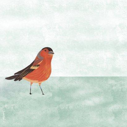 Kerstkaart met illustratie vogeltje in sneeuw wit 2