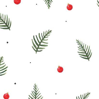 Kerstkaart met kersttakken en kerstballen in kerstkleuren 2