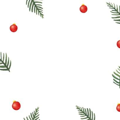 Kerstkaart met kersttakken en kerstballen in kerstkleuren Achterkant
