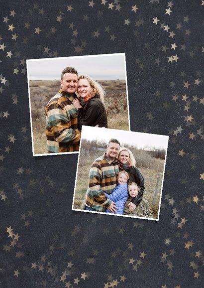 Kerstkaart met krijtbord achtergrond, sterren en 4 foto's  2