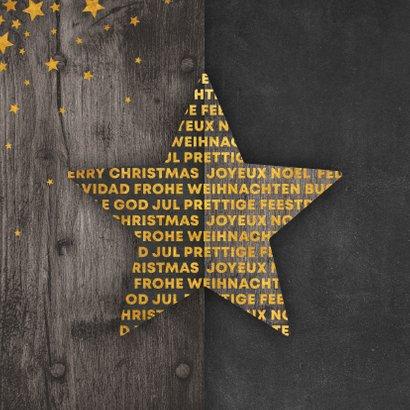Kerstkaart met meertalige ster en gouden sterren 2