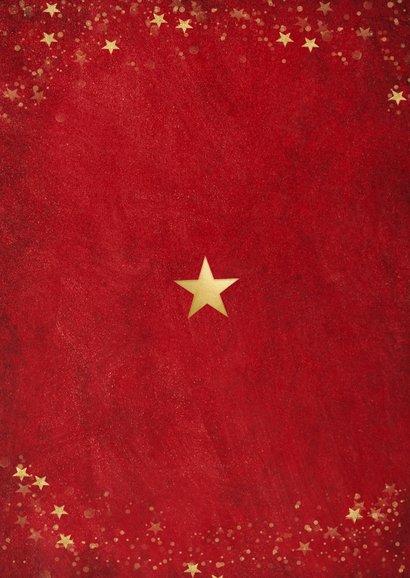 Kerstkaart met rode achtergrond en gouden sterren Achterkant