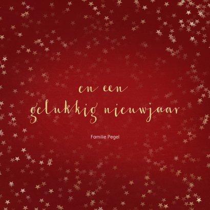 Kerstkaart rood met gouden sneeuwvlok - een gouden kerst 3