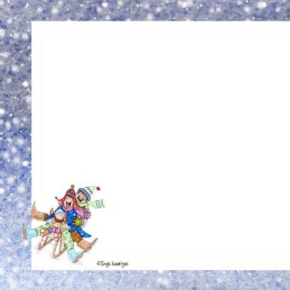 Kerstkaart samen op de slee in de sneeuw 2
