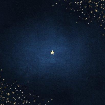 Kerstkaart stay safe donkerblauw met sparkles Achterkant