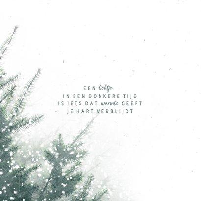 Kerstkaart sterkte met kerstbomen en sneeuw 2