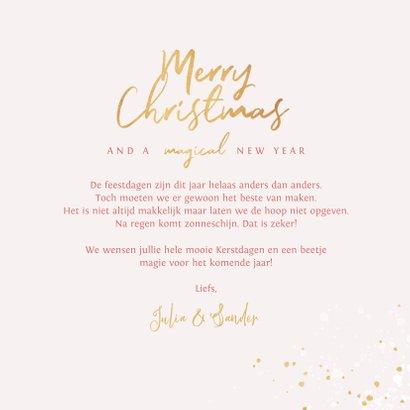 Kerstkaart stijlvol kerstbomen roze goud magisch 3