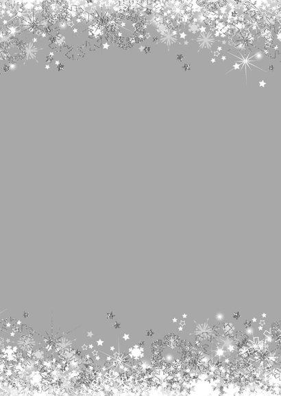 Kerstkaart stijlvol met sterren  en sneeuw zilver wit 2