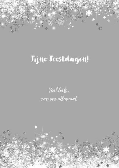 Kerstkaart stijlvol met sterren  en sneeuw zilver wit 3