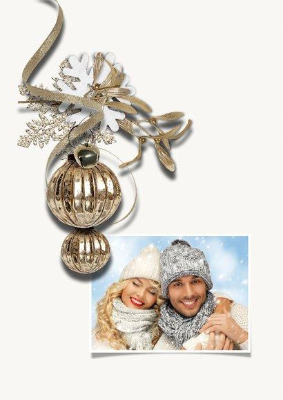 Kerstkaart trendy chique taupe kerstbal 2