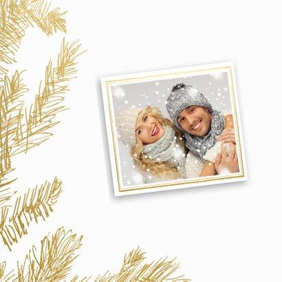 Kerstkaart trendy gouden dennentakken met hert 2