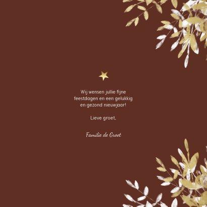 Kerstkaart vierkant merry met gouden en witte takken 3