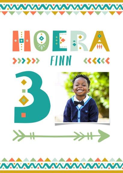 Kinderfeestje uitnodiging 3 jaar tribal stijl jongen 2