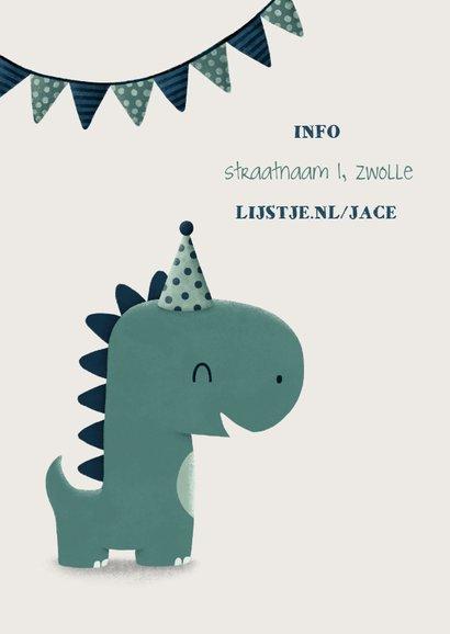 Kinderfeestje uitnodiging dinosaurus met hoedje en vlagjes 2