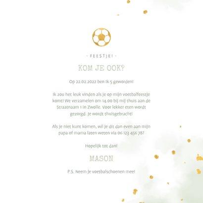 Kinderfeestje uitnodiging foto met voetbal en spetters 3