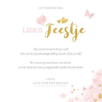 Kinderfeestje uitnodiging meisje met roze en gouden hartjes  3