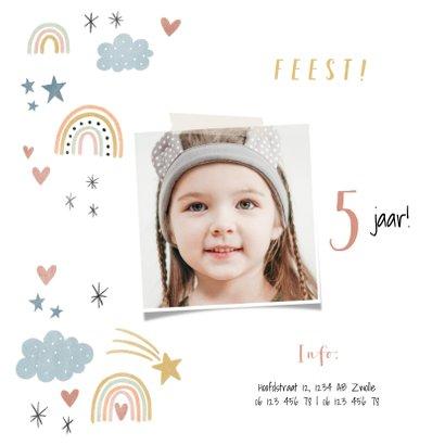 Kinderfeestje uitnodiging regenboogjes, sterretjes & hartjes 2