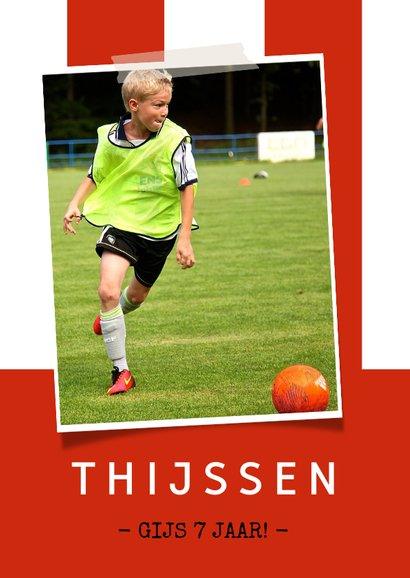 Kinderfeestje voetbalshirt uitnodiging rood wit gestreept 2