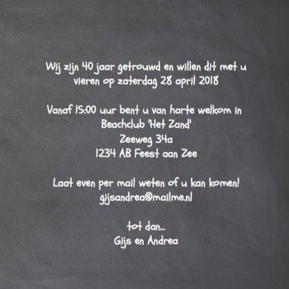Krijtbord uitnodiging 40 jaar getrouwd - wegwijzers hout 3