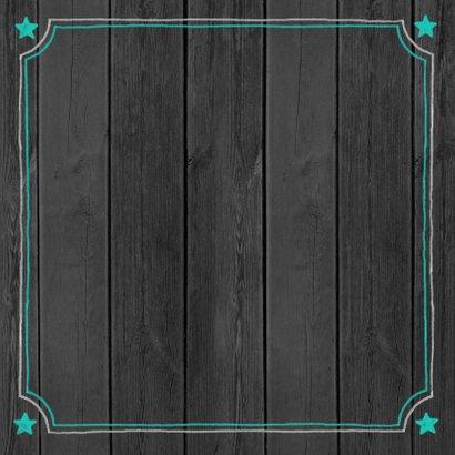 Leuk verhuisbericht groene teksten en foto op zwart hout 2