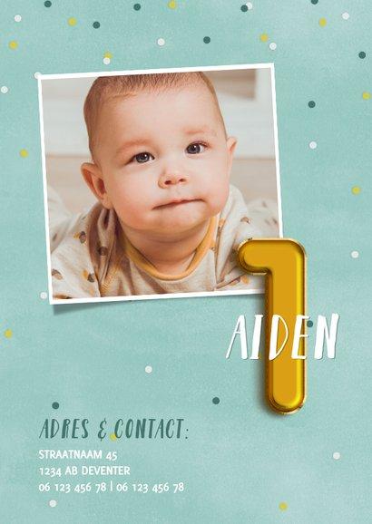 Leuke uitnodiging eerste verjaardag met confetti & ballonnen 2