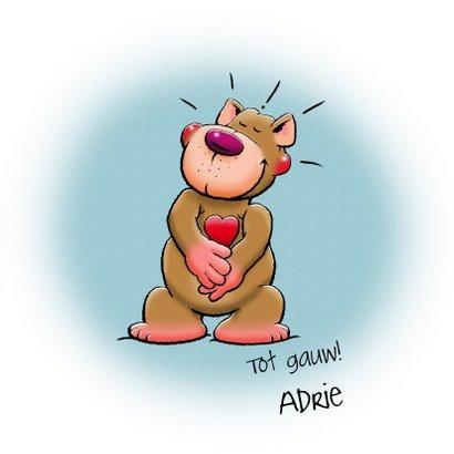 Leuke valentijnskaart grappig beertje die een knuffel geeft 3