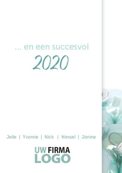 Lichtblauwe kerstballen logo 2020 3
