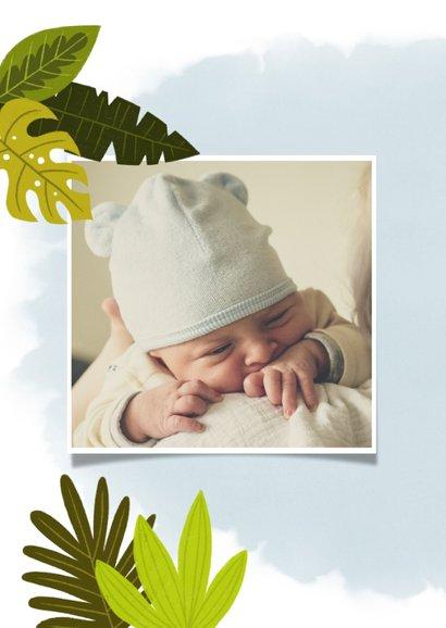 Lief geboortekaartje met giraffe, plantjes en waterverf 2