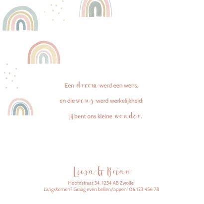 Lief geboortekaartje met regenboogjes en stipjes 2