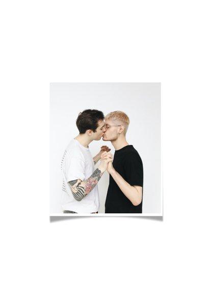 Liefde kaart love is love regenboogkleuren 2