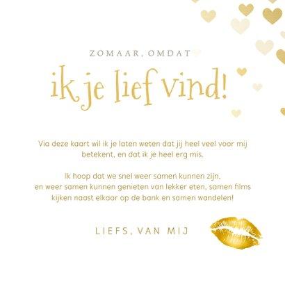 Liefdeskaart papieren kus door de brievenbus met hartjes  3