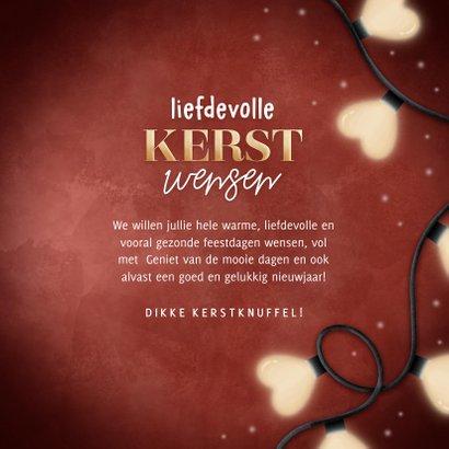 Liefdevolle kerstkaart kerstlampjes in hartvorm & typografie 3