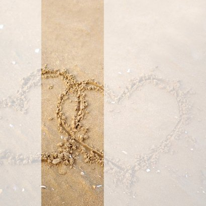 Liefdevolle zand hartjes  2
