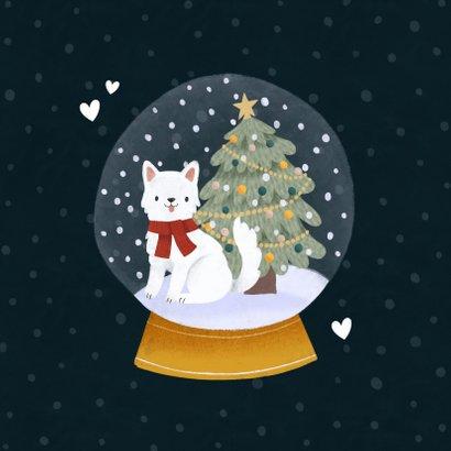 Lieve kerstkaart met foto hond in sneeuwbol en kerstboom 2