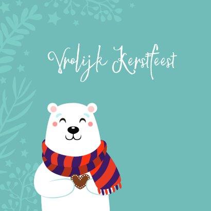 Lieve kerstkaart met ijsbeer met hartje 2