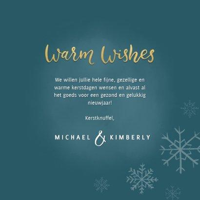 Lieve kerstkaart met ijsbeertje, warm wishes & sneeuwvlokken 3