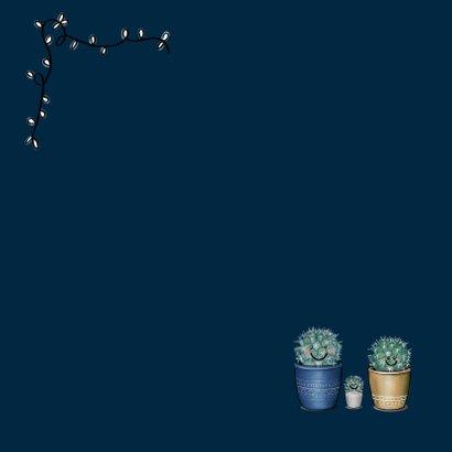 Lieve kerstkaart met illustratie van vrolijk cactusgezin Achterkant