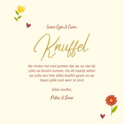 Lieve opa en oma kaart met bosje bloemen, knuffel en foto 3