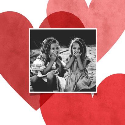 Lieve opa en oma kaart rode hartjes en foto dikke knuffel 2