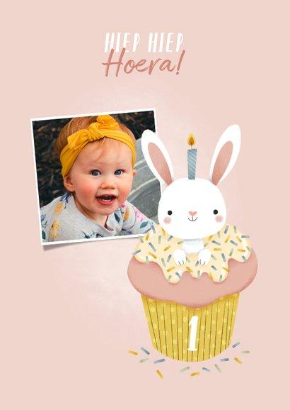 Lieve verjaardagskaart konijntje in cupcake met foto 2