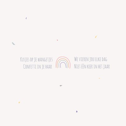 Minimalistisch, lief geboortekaartje met een regenboogje 2