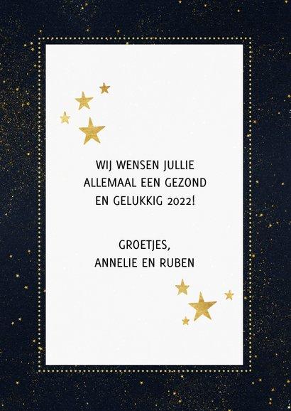 Moderne nieuwjaarskaart met gouden groet en sterren 3