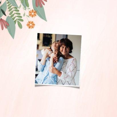 Moederdagkaart met foto en een bloemetje voor jou 2