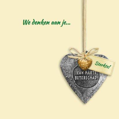 Mooie beterschapskaart met hartjes op bloemenbed met naam 3