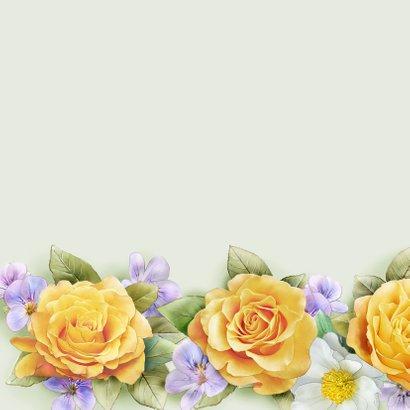 Mooie bloemenkaart met illustratie van gele en witte rozen 2
